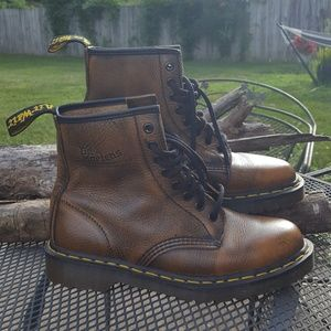 Dr Martens Brown Grizzly Boots Mint Condition Sz 8